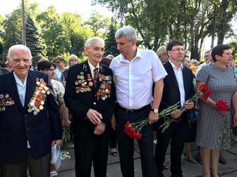 Андрей Гальченко вместе с жителями Долгинцевского района почтили память павших во время войны в Укра
