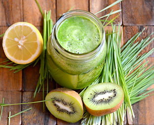 kiwi-wheatgrass-juice-2.jpg