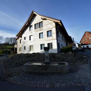 Gemeinschaftshof im Mitteldorf