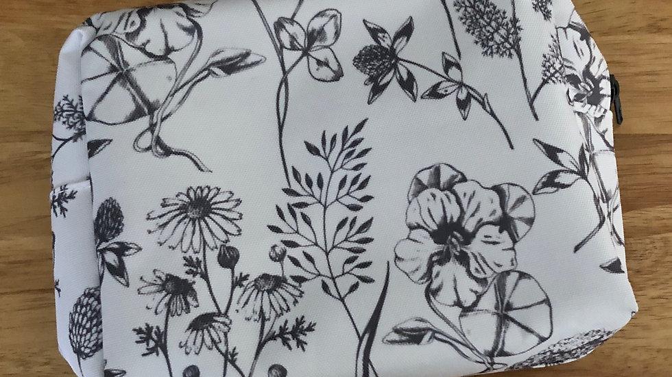 TRAVEL BAG - GREY FLOWERS