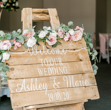 E & S Blush Stylish Braxted Park Wedding - Your Best Day Ever