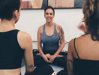 Por que praticar yoga no trabalho?