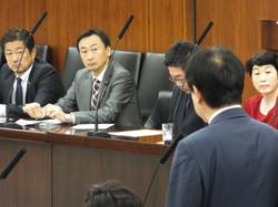 2014.10.14 臨時国会で初めての厚生労働委員会が開催