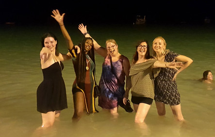Felice, Stacey, Hana, Avril & Kim partying in Koh Phi Phi, Thailand