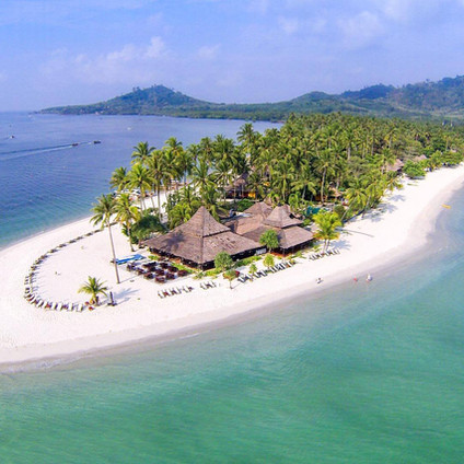 Koh Mook Sivalai Resort and Spa sits on its own private beach peninsula with stunning panoramic sea views and beautiful traditional, beachfront Thai villas, all with sea views. Travel Queen