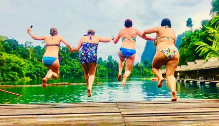 Carly, Hana, Avril & Valentina jumping into lake, Khao Sok, Thailand
