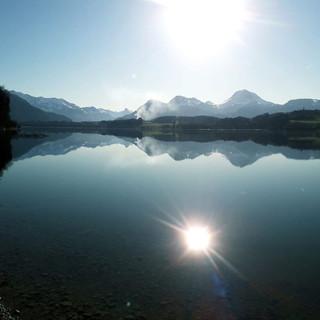Vue hivernale du lac de Gruyère