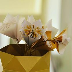 Fleurs et Vase tout Origami