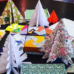 """Un Noël tout en origami - nos fameux """"Arbre de Noël"""" - un must à Latéo - un moment inoubliable pour tousles enfants et leurs les familles"""