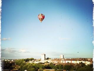 Balloons & blue skies in Bristol