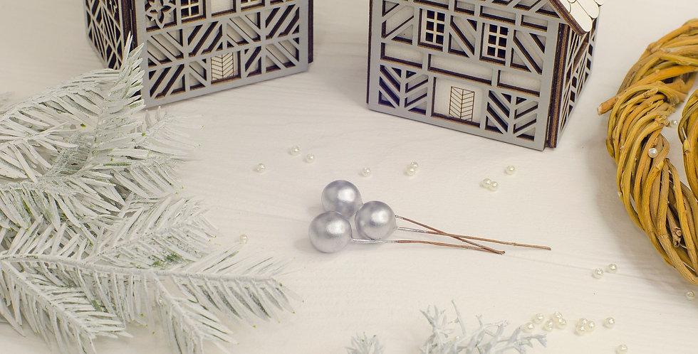 Ягода перламутровая на ветке 10мм, серебро