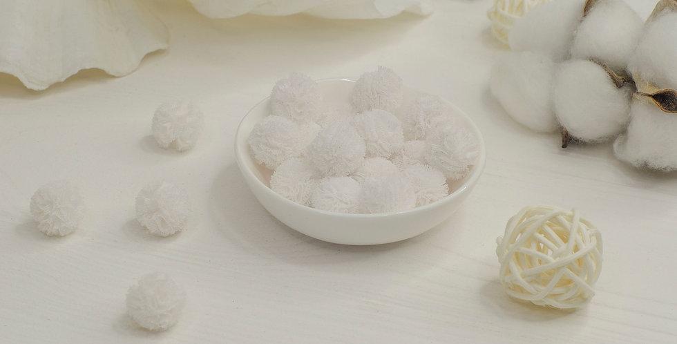 Помпоны фатиновые 1,5см , белый
