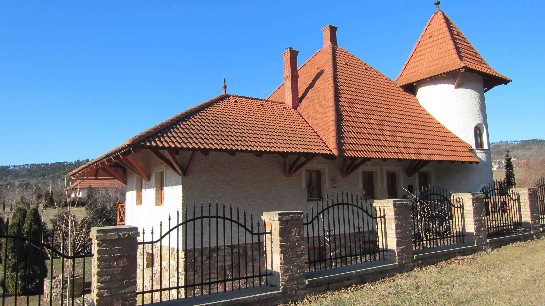 Torony Villa