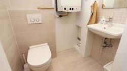 Apart Toilet