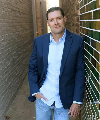 Author Charlie Donlea