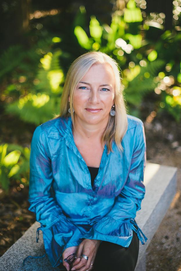 Barbara Claypole White