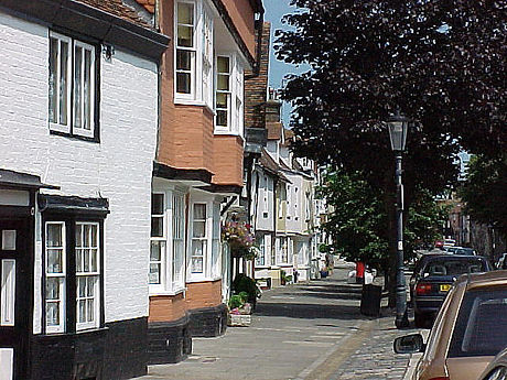 Abbey_Street,_Faversham_-_geograph.org.uk_-_524274.jpg