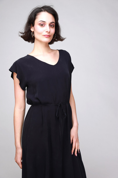 COTELAC_LONG_NAVY_DRESS_3347_edited.jpg