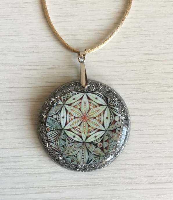 Orgonite Medalha Mandala Floral G