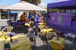 Hang'n with the Ques.... priceless