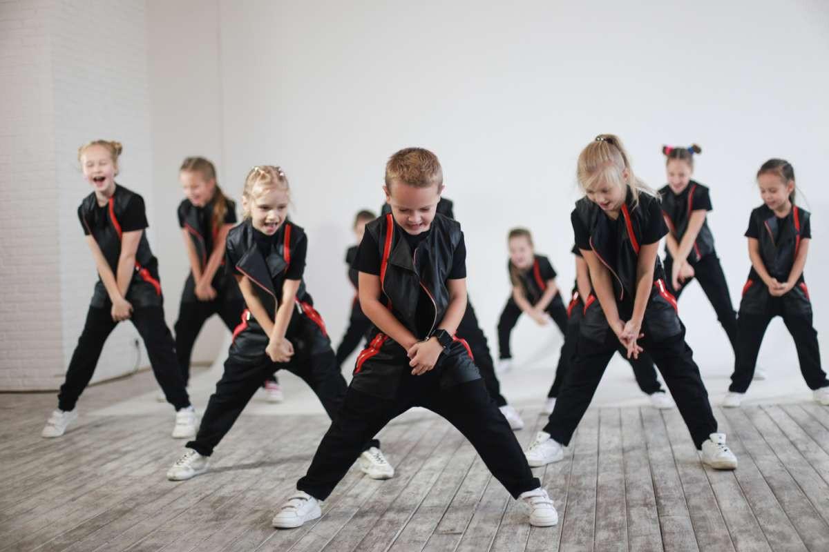 уличные танцы в новороссийске.jpg