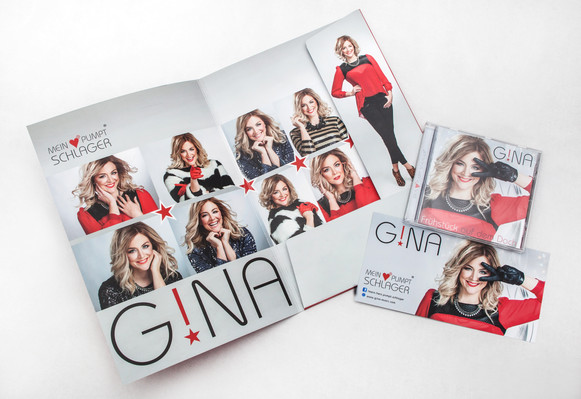 GINA: Mappe | CD Produktion | Autogrammkarte