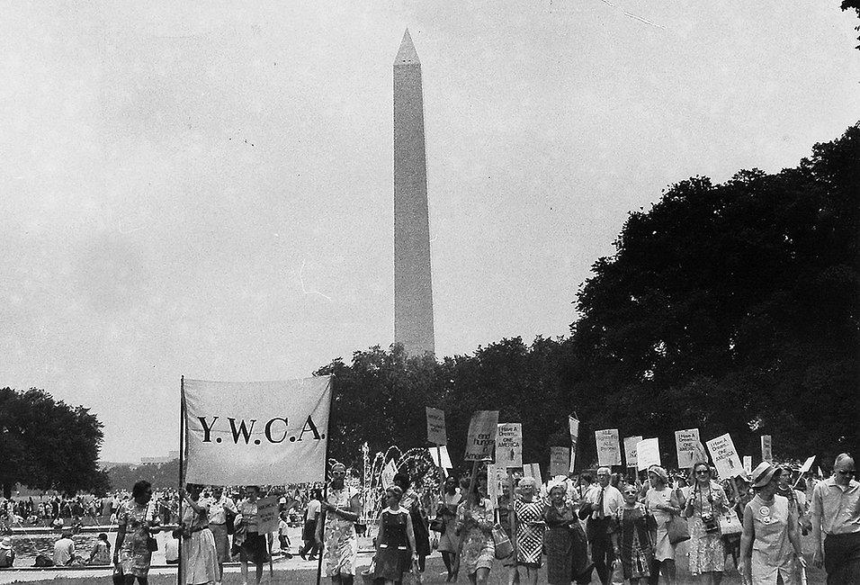 1968-ywca-women-march-washington.jpg