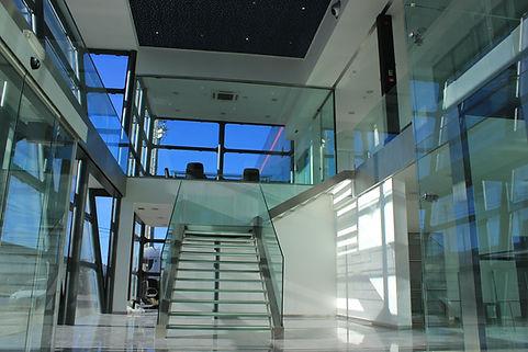 Escadaria sede VIF - SecurLam.jpg