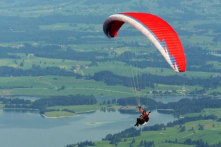 paraglider-1644986.jpg