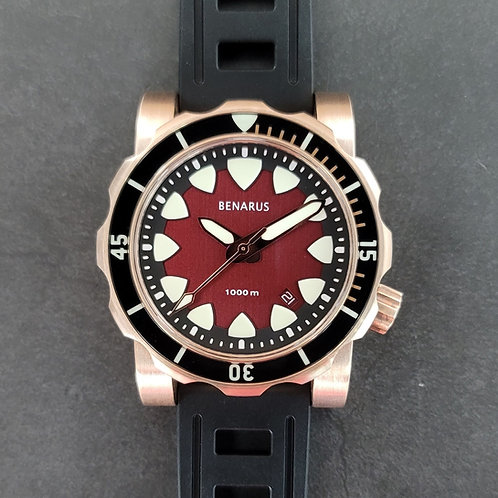 Bronze Mako brushed red with  sapphire bezel
