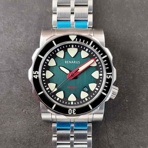 Mako  brushed teal with  sapphire bezel