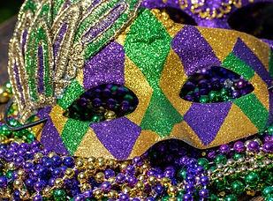 mardi-gras-mask-and-beads983360-800x800_