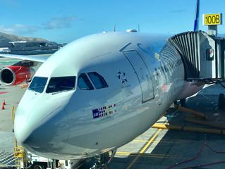5 Tips to Endure a Long Flight