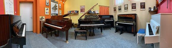 Vystavujeme, Atelier Piano, Ladenie klavirov a pianín, Oprava klavírov a pianín, Servis klavírov a pianín, Richard Šulc, mada music, melody shop, piano servis, Drnek piana, Petrof, Hudobné nástroje, Hudobniny, akcia, zadarmo, výhodný nákup, zľava, výpredaj, Muzikus, pianos, Koňuch, klavire eu, muziker, sťahovanie klavirov, bazar, bazos, pirický, opravy hudobných nástrojov, Antonín Petrof, Kizak, Bujnovska, Matovič, Balog, Hupka klavir, Piano studio, výpredaj, klavírne krídlo, klavír pre začiatočníkov, klavir na predaj, muzikant, najpredávanejší klavír, akustický klavír, digitálne piano, klavír a klávesové nástroje, strunové nástroje, údržba klavirov, ošetrovanie klavirov