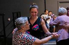 """Une petite valse au théâtre de la Monnaie - Représentation publique des chorales d' """" Un pont entre deux mondes """" - Juin 2019"""