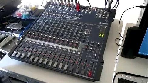 Yamaha Mischpult.jpg