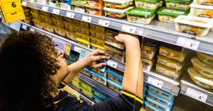Nestle и Unilever не могут поднять цены на продукцию