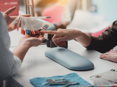Pourquoi se faire poser des ongles en acrylique ?