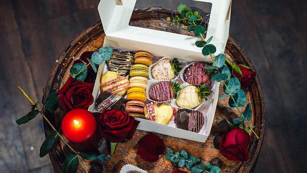 Chocolate and strawberry collection box