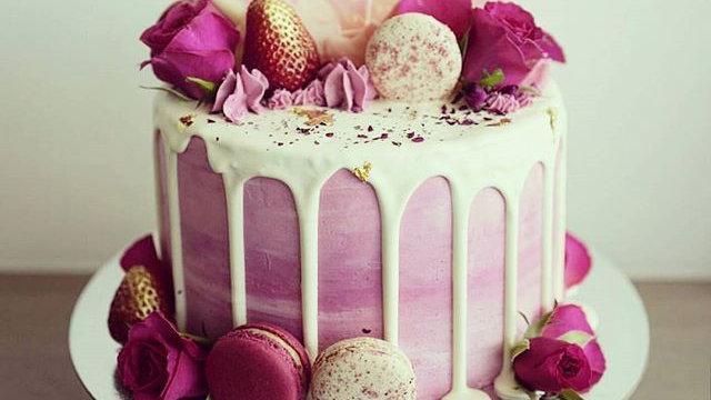 Roses Red velvet cake