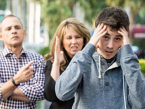 Perchè è difficile comunicare con i propri figli adolescenti?