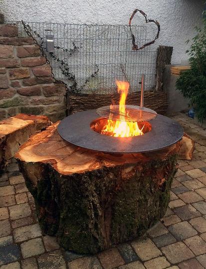 BBQ-Bowl-Holzsstamm-Kundenauftrag-Party-Garten-Fest-Natur.jpg