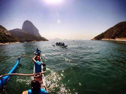 Remada e bênção de canoas