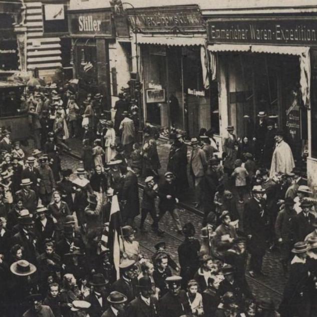 Rok 1918 - demonstracja na Danziger Strasse na wysokości kina Kristall