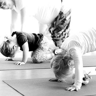 toddler_yoga_2-1_edited.jpg