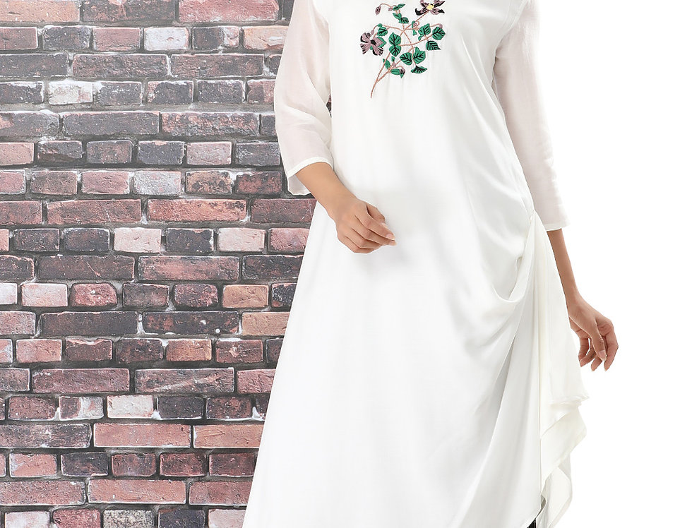 CLEMATIS WHITE KURTA WITH CHEQUERED BOX PANTS
