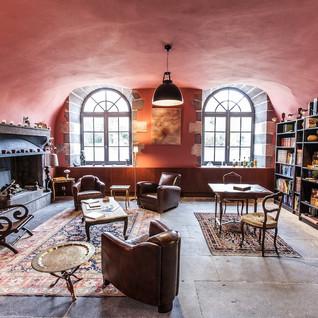 Manoir-Manantie_NR Club Lounge.jpg