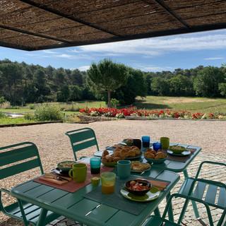 Chut c_est ici - Le petit déjeuner www.c