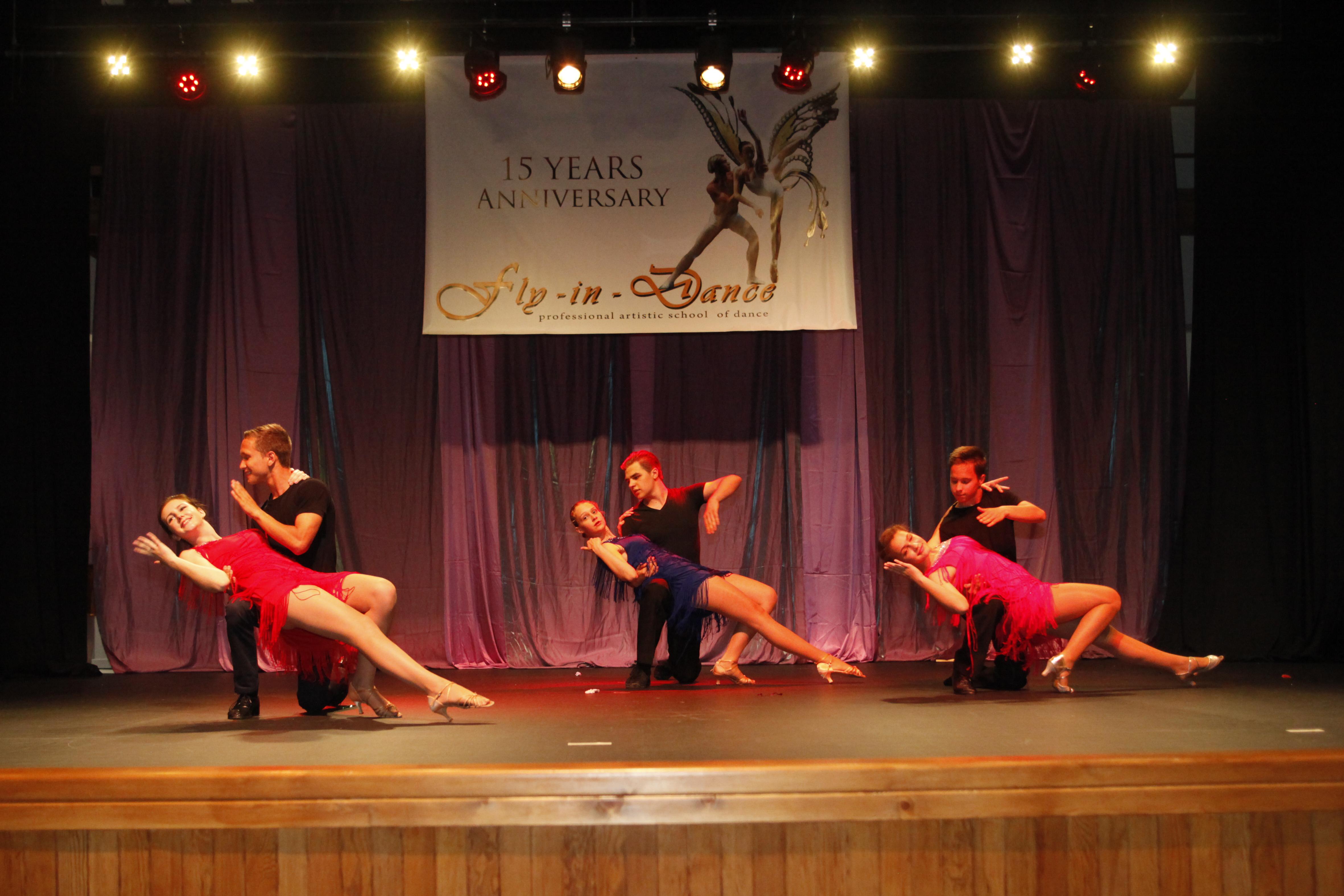 fly-in-dance tango