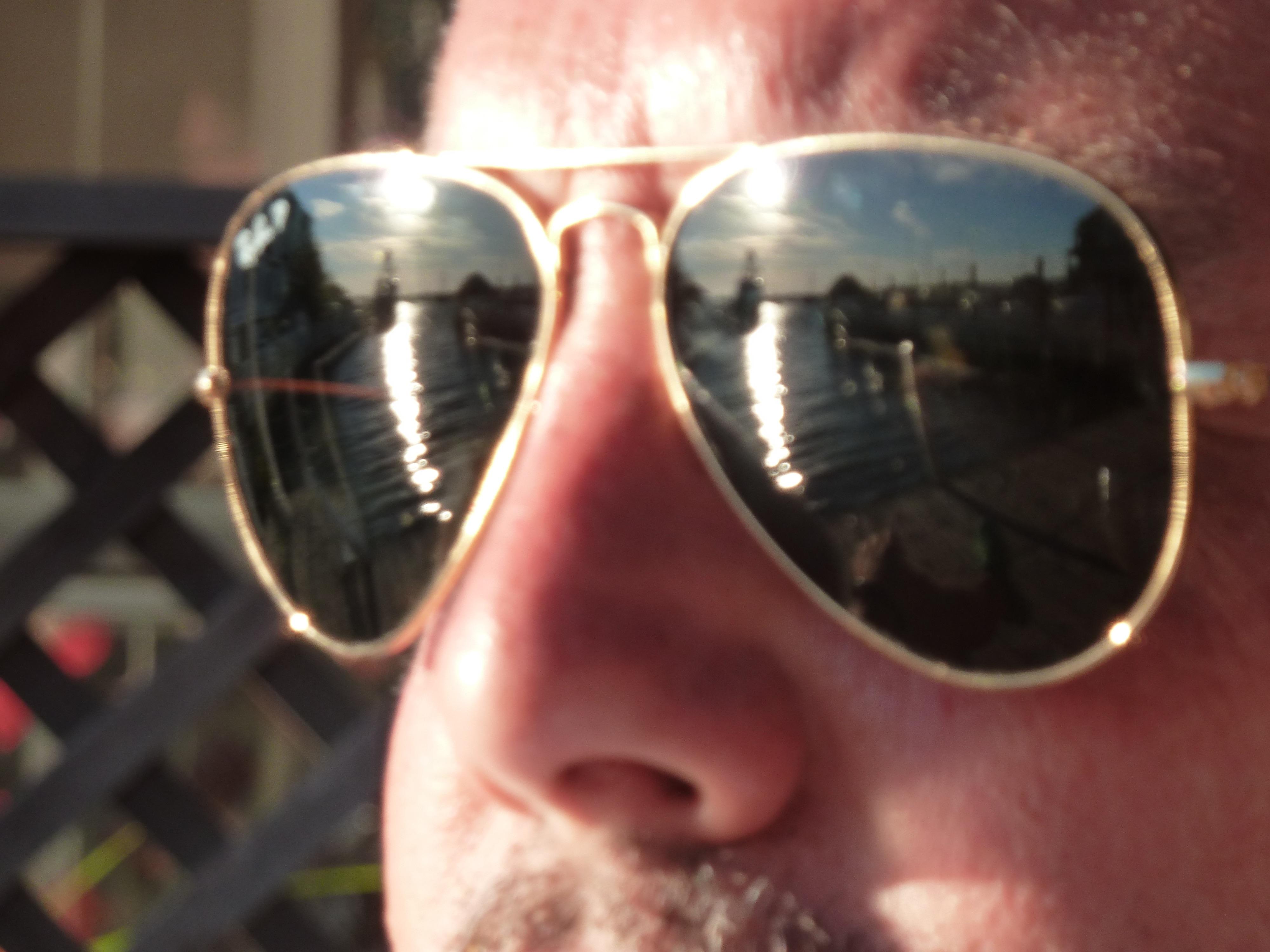 nie ohne sunglasses